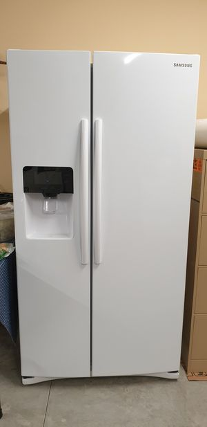 Samsung Refrigerator for Sale in Harlan, IN