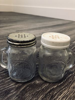 Salt and pepper shakers for Sale in Rexburg, ID