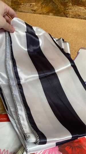 7 Black and White Stripe Table Runners for Sale in Union City, CA
