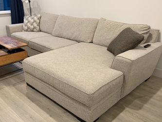 Large Sofa With Chaise for Sale in San Leandro,  CA