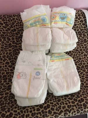 Pampers newborn diaper (free!!!) for Sale in Pittsburgh, PA