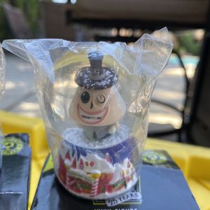 Funko Mayor Nightmare Before Christmas Mystery Minis Snow Globe Disney Hot Topic Exclusive for Sale in Los Angeles, CA