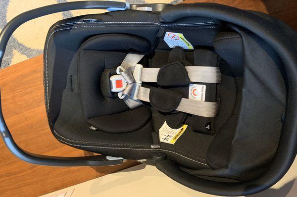 Peg Perego Primo Viaggio 4/35 Infant Car Seat with Base