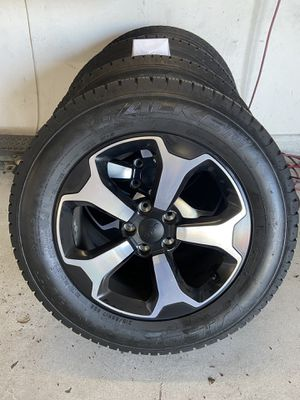 2019 Jeep Renegade wheels and tires for Sale in Modesto, CA