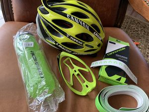 Road bike accessories for Sale in SUNNY ISL BCH, FL