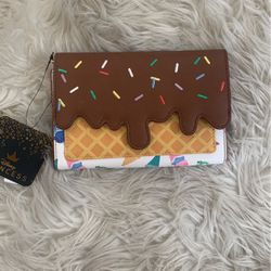 LOUNGEFLY WALLET for Sale in Baldwin Park,  CA