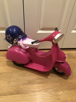 Our generation 18 inch doll scooter for Sale in Snohomish, WA