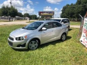 2014 chevy sonic for Sale in Auburndale, FL