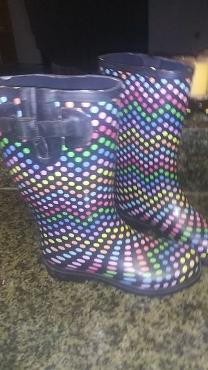 Rain boots never worn size 8 for Sale in Orlando, FL