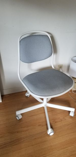 swivel desk chair for Sale in Los Altos, CA