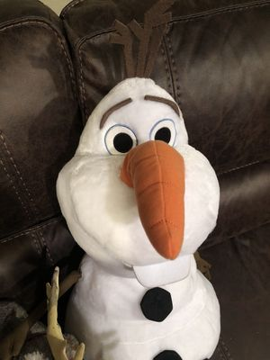 DISNEY OLAF BIG PLUSH for Sale in Miami, FL