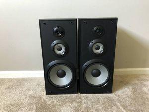Sony Bookshelf Speakers 120 Watt 8 Ohms for Sale in Mount Prospect, IL