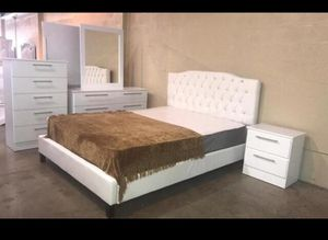Brand New Queen Bed with Dresser,Mirror, a Nightstand & Mattress. ($40 down, no credit check financing). for Sale in Hialeah, FL