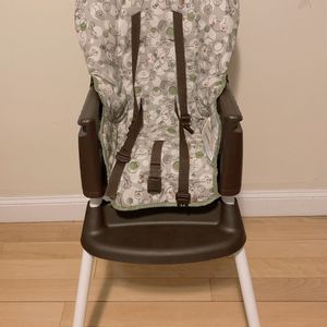 Graco high chair for Sale in Quincy, MA