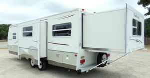 2OO7 5th wheel camper for Sale in Reno, NV