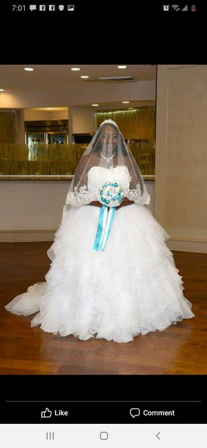 $400 for this 2016 wedding dress and 2 of the blue bridesmaids dresses for Sale in Orlando, FL