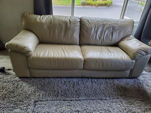 Leather couch. for Sale in Hillsboro, OR