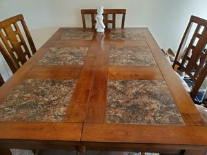 Dining Table and 4 Chairs for Sale in Corona, CA