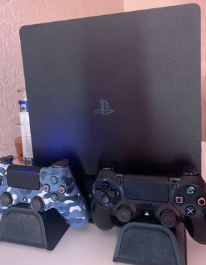 Ps4 1TB Bundle for Sale in Los Angeles, CA