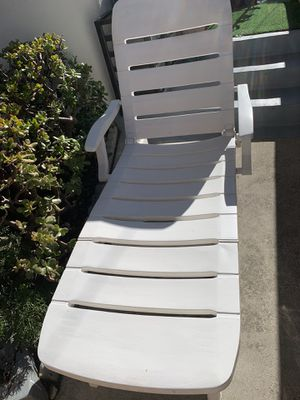 Sturdy Resin Lounge Chair on rollers and Foldable for Sale in Redondo Beach, CA
