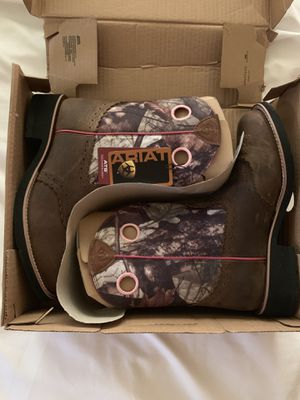 Ariat Fatbaby Cowgirl Boots for Sale in Alvin, TX