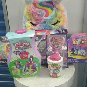 Trolls Girl Bundle for Sale in The Bronx, NY
