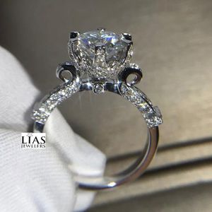 New 18k White Gold Engagement Ring for Sale in Orlando, FL