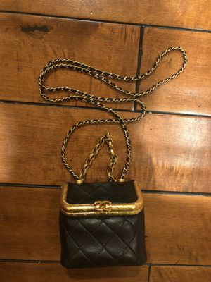 Chanel KissLock Bag, small size for Sale in Los Angeles, CA