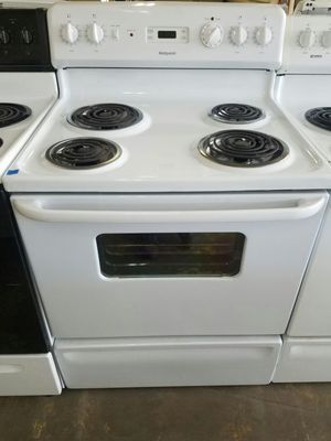 Hotpoint stove white for Sale in Tampa, FL