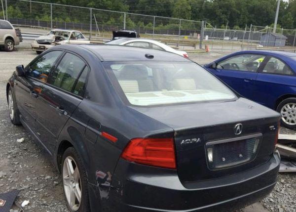2005 Acura TL good miles