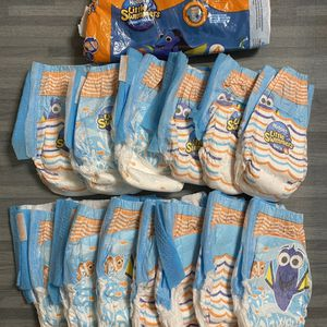 Open Package Huggies Swim Diapers Size 4, Dory Prints, 13 Diapers Total SHIPS Nationwide for Sale in Miami, FL