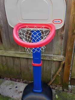 Toddler Little Tikes BASKETBALL 🏀 HOOP for Sale in Fairview,  OR