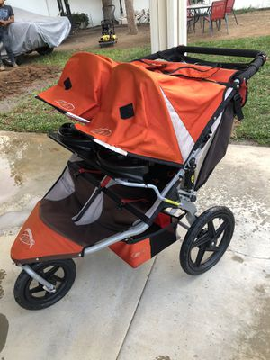 BOB Revolution Double Stroller for Sale in Riverside, CA