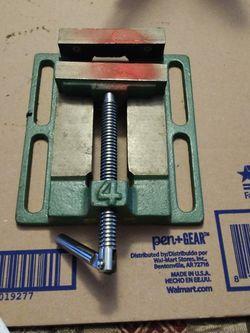 """Pittsburgh 4"""" Jaw Capacity Drill Press Vise P30999 for Sale in Atlanta,  GA"""