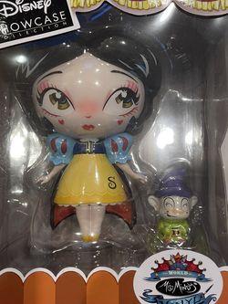 Miss Mindy Disney Snow White for Sale in Irvine,  CA