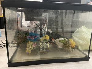 Fish tank for Sale in Winchester, CA