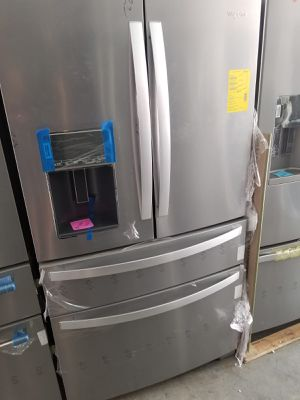 Refrigerator Whirlpool Stainless Steel 36' 4 door. New. Warranty for Sale in Hialeah, FL