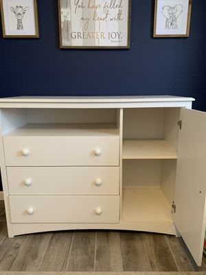 Baby dresser / changing table for Sale in Lakeside, CA