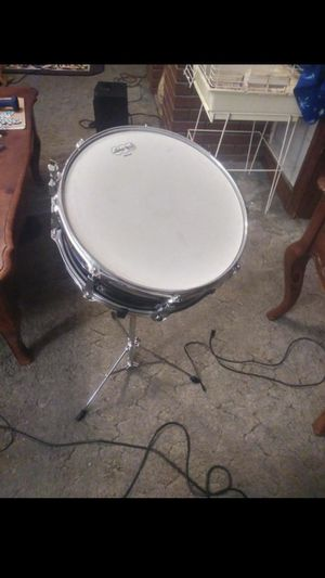 Ludwig snare drum with stand, medium skin, black galaxy paintjob, carrying case, 2 sets of drum sticks, symbol and rubber sound deafening practice pad for Sale in Brooklyn, OH