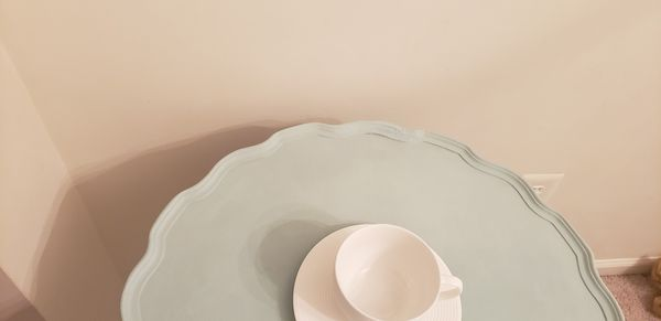 Pie / tea table
