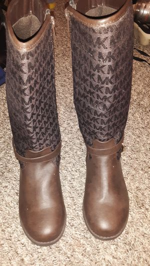 Michael Kors limited time boots size 3 for kids for Sale in Austin, TX