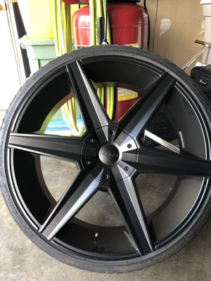 Helo wheel and tires for Sale in Holmen, WI