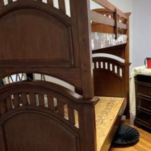 Bed Twin Bed Bunk Bed for Sale in Bolingbrook, IL
