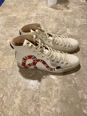 Authentic Gucci with snake size 10.5 no box for Sale in Newark, NJ