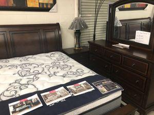 4 pc Queen Bedroom Set for Sale in Hayward, CA