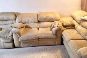 Free Sofa for Sale in Affton, MO