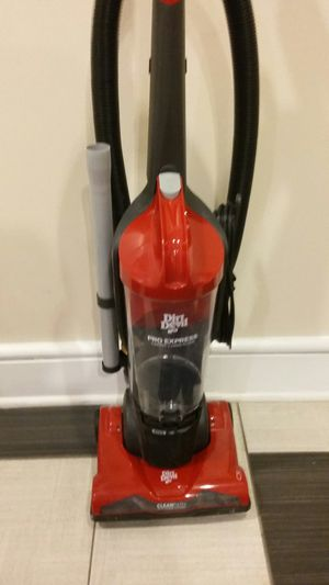 NICE DIRT DEVIL POWER EXPRESS WITH CLEANPATH EDGE TO EDGE CLEANING BAGLESS VACUUM CLEANER. LIKE NEW for Sale in Alexandria, VA