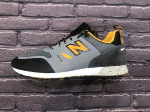 New Balance Trailbuster trail buster Men's size 9 TBTFAAC gray yellow running shoe for Sale in Whittier, CA