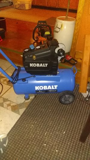 Like new kobalt 8 gallon air compressor for Sale in Lancaster, OH
