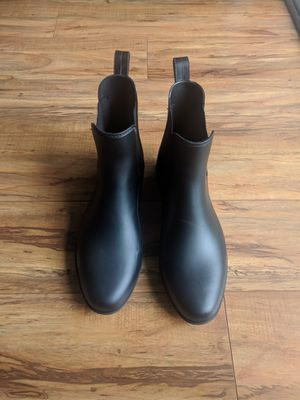 Ankle length rain boots, size 9 womens, black for Sale in Pompano Beach, FL